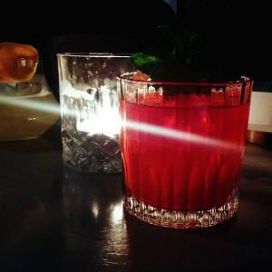 Le petit verre du vendredi qui fait biiiien plaisir cocktailshellip