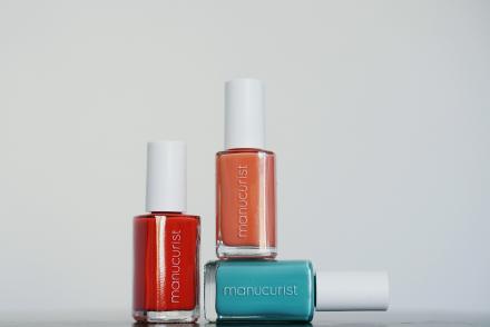 Manucurist-Albertine-collab-Corail-#1-High-by-the-beach-Corail-#3-Summertime-Vert-#3-Opaline